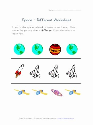Things that Go together Worksheets for Preschoolers New Things that are Different Worksheet Space theme